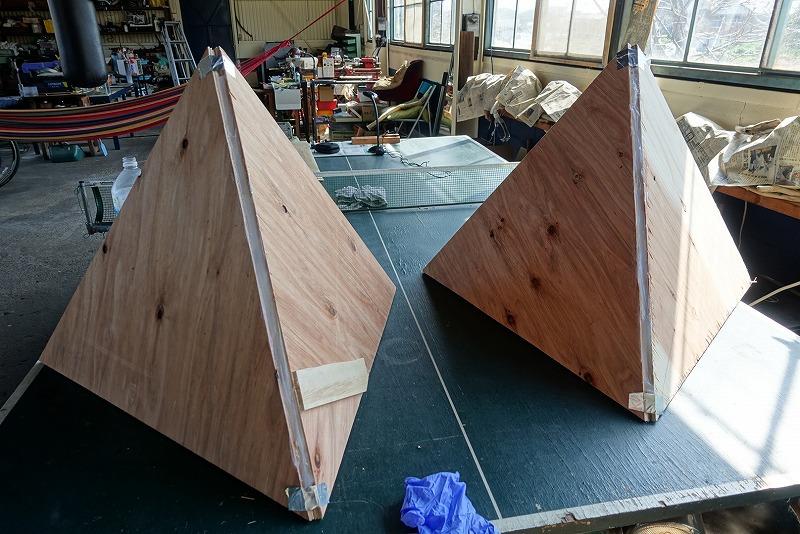 ラピュタの飛行石シーグラス「こんなん1人でホントにできるのかよっ」って思いつつ型枠づくり今日はここまで